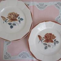 ディゴワン・サルグミンヌ薔薇モチーフ平皿(小)2枚セット1
