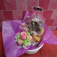 ドライフラワーテイストと薔薇のプリザーブドフラワーアレンジとハートの焼き菓子8袋のギフトセット