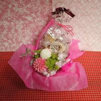 ピンポン菊のプリザーブドフラワーとダリアと桜のシルクフラワーを合わせた和風アレンジと桜の焼き菓子6袋のギフトセット