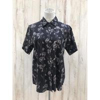 コアラ柄のシャツ.674