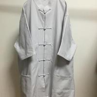 コットン無地チャイナシャツ(宮迫よりも白に近いグレー)