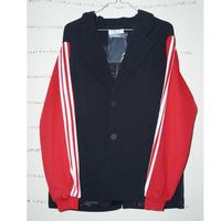 ジャージの楽さとジャケットのカッコよさを兼ね備えたジャケット
