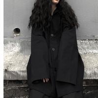 シンプルだけど袖口が広がっててかわいいシルエットのジャケット