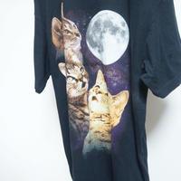 used  full moon cat tee