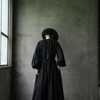 cavane キャヴァネ /  Back open onepiece-dressワンピース  / ca-19083