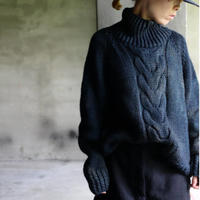 BIEK VERSTAPPEN / Hand-knitted Sweater Cable  / Bie-20017