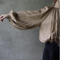 cavane キャヴァネ / 【受注予約】Back open balloon blouseⅡブラウス / ca-21112