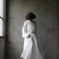 cavane キャヴァネ /  Back open onepiece-dressワンピース  / ca-19047