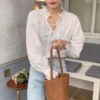 再入荷 フリル襟リボン刺繍コットンブラウス/ホワイト