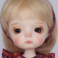 【あどけない表情】 BJD 球体関節人形 1/8 本体+眼球 メイクアップ済み 小さい女の子 カスタムドール ロリータ 美少女 【選べる3色】