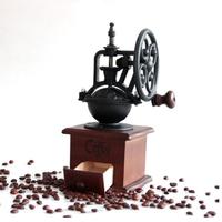 コーヒーミル グラインダー 手動 縦回し 木製 レトロ ビンテージ 縦ハンドル 使いやすい 高耐久性 ヴィンテージ おしゃれ インテリア ギフトにもおすすめ