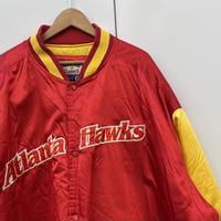 G-Ⅲ NBA ATLANTA HAWKS/ジースリー アトランタホークス サテンブルゾン 2000年前後 (USED)
