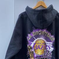 MITCHELL & NESS NBA LAKERS/ミッチェルアンドネス ロサンゼルス・レイカーズ 17タイム チャンピオンズ フードスウェット 2021年 (NEW)