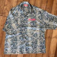 スタンダードロゴ刺繍パイソンシャツ