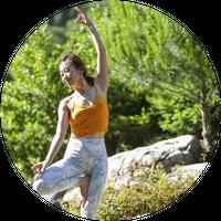 4/19(月) pm10:00~11:15     Chiemi    Hatha yoga