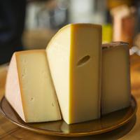 【にっぽんを食べよう~緊急企画①~第9弾】世界の酒とチーズフェスティバル出品チーズを助けて!セット