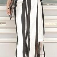 レディース 海外 インポート ブラック ホワイト ストライプ 柄 カシュクール ミモレ 膝下 丈 ワンピース ドレス