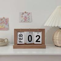 木製の日めくりカレンダー
