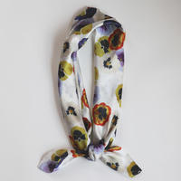 scarf <on the pansy>