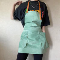 【leather  apron】