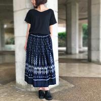 83cm丈、手織り上質シルクの絣織スカート、濃紺、オールシーズン