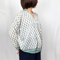 再販5!M/Lサイズ、体型カバー裾ねじりツリープリント長袖ブラウス