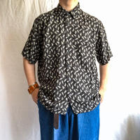 1990's~ black patterned all over rayon S/S shirt