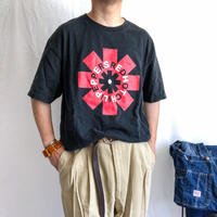 """""""RED HOT CHILI PEPPERS"""" black cotton S/S tee"""