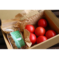 飛騨の森の朝食セット(グラノーラ&大玉トマト)