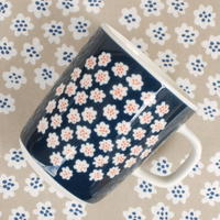 マリメッコ marimekko <Puketti>マグカップ(ネイビー)