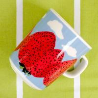 マリメッコ marimekko <Mansikkavuoret>マグカップ