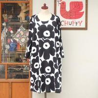マリメッコ marimekko <Pieni Unikko>七分袖ワンピース(オフホワイト×ブラック)大きなサイズ