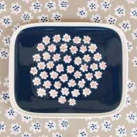 マリメッコ marimekko <Puketti>角プレート(ネイビー)