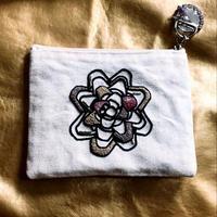 刺繍ポーチ/リボン