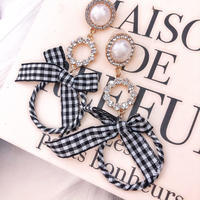 Gingham pearl bijjou pierce