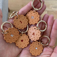 【9月27日発送予定】vegetable tanned leather biscuit key ring