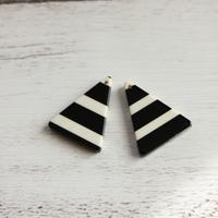 三角ボーダーアクリルチャーム 2pic