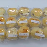 名古屋コーチンクリームパン10個と妖怪パン5個セット(冷凍便)