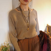 knit top with cut out detail  BEIGE