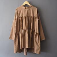 再入荷tiered long sleeve blouse CAMEL