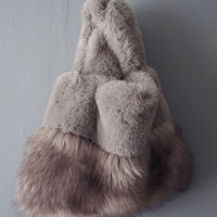 再入荷volume fur bag GRAY
