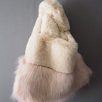 再入荷volume fur bag PINK BEIGE