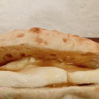 【店舗引き渡し専用】  ラベンダー酵母コッペパンサンド(クリームチーズと蜂蜜)