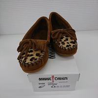 【Ladies】【新品】MINETONKA モカシン KILTY レオパード 23.5cm ダスティブラウン(62)