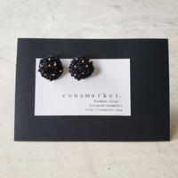 earrings  刺繍  black dot