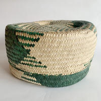Mexican straw basket / green