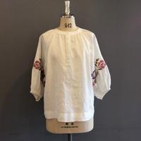 <women>Porter des boutons(ポルテデブトン)リネン刺繍ギャザープルオーバーブラウス(P-20139) / 02