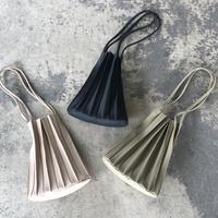 インナーポーチ付きプリーツデザインバッグ(3color)