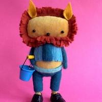 SKIPPITY HOPP/英国ハンドメイド・ライオン人形