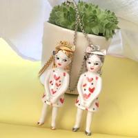 ナターシャプラノ/マドモアゼルシャゴールド人形ネックレス「プレゼント」
